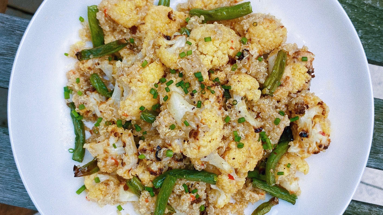 roasted cauliflower quinoa featured